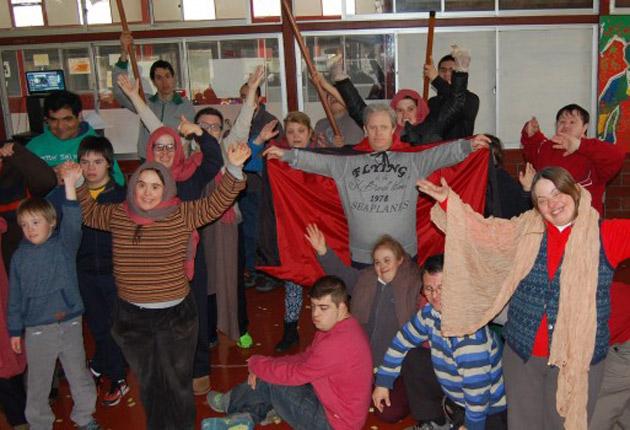 """Jóvenes con síndrome de down presentan: """"Jesucristo Súper Integral"""" en Chile"""