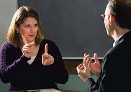 Buscan inclusión de personas sordas en roles sociales
