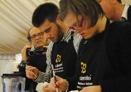 Expertos en café con síndrome de Down exhiben sus habilidades en Santiago de Compostela