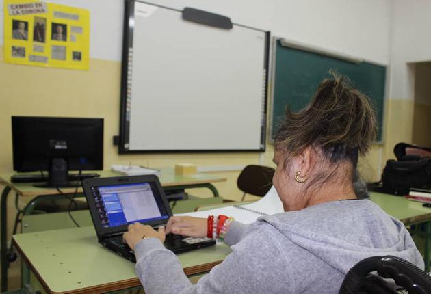 Más de 200 estudiantes ciegos asisten a clases normalizadas en los centros educativos de Aragón