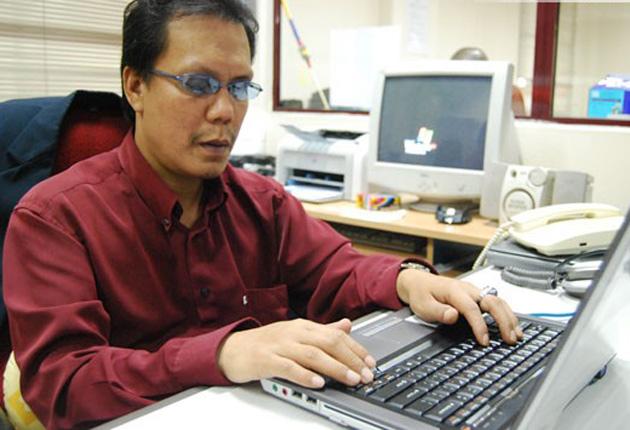 Invidente regio crea aplicación para que ciegos usen redes sociales
