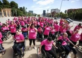 Un 'flashmob' solidario por la parálisis cerebral reúne a más de 250 jóvenes