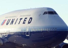 Un pasajero de United Airlines con parálisis cerebral tuvo que arrastrarse para desembarcar