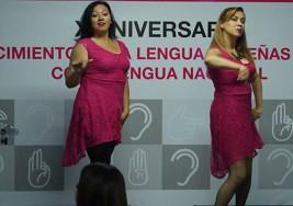 Defeño ejemplar: Un puente musical para sordos