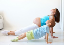 El yoga suave es seguro al final del embarazo