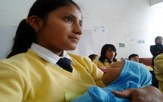 Prevenir el embarazo en adolescentes para promover el desarrollo
