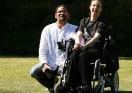 La Asociación de Esclerosis Múltiple organiza charlas para dar a conocer la enfermedad