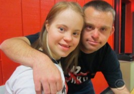 Pareja con síndrome de Down encuentra el amor