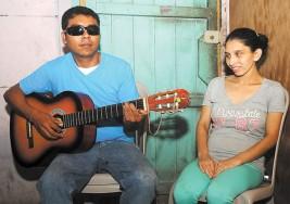 Sordos y ciegos hacen arte para Rubén Darío