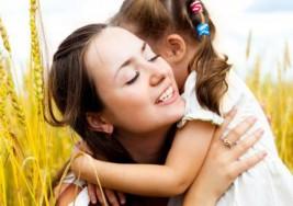 Los niños no necesitan móviles: el mejor regalo es tu tiempo con ellos