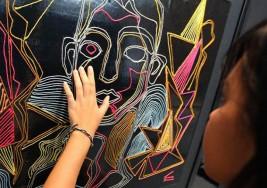Exposición creada por artistas y niños ciegos en Tailandia