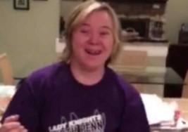 Conmovedor momento en que joven con síndrome de Down es aceptada en la universidad