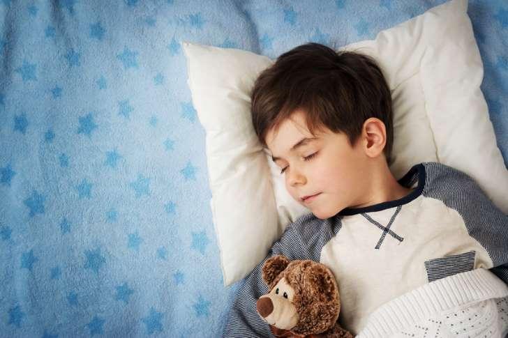 Cuántas horas debe dormir un niño, por edad