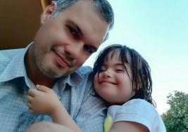 La canción de Ángela, una niña con Síndrome de Down que conmueve en Facebook