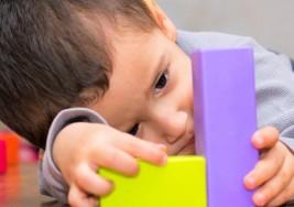 ¿Por qué el autismo es más frecuente en los varones?