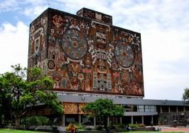 Reconoce UNAM indoblegable avidez de alumna de Pedagogía con sordera