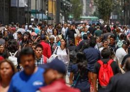 Ciegos y débiles visuales reinventan semáforos en la calle Madero