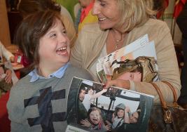 Militares y niños con síndrome de Down conmueven las redes con calendario solidario