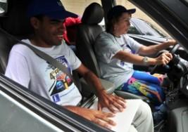 Realizan rally automovilístico para ciegos
