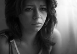 Si no sabes por qué estás deprimida, considera estos 3 factores que desconocías