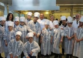 Jóvenes con Síndrome de Down demuestran sus habilidades como cocineros