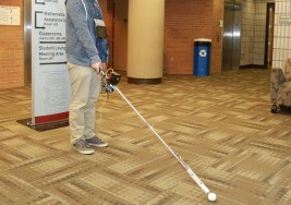 Tres Innovaciones que permiten movilidad a las personas ciegos