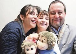 Paola, la primera niña con dos implantes cocleares