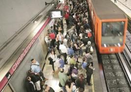 Localiza policía capitalina a niño con autismo extraviado en el Metro