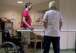 El tratamiento contra el cáncer que ha hecho volver a caminar a pacientes con esclerosis múltiple