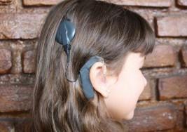 Científicos de la uned recomiendan doble implante coclear en personas con sordera bilateral