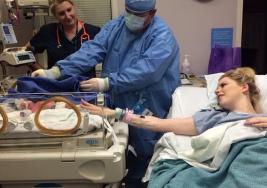 Luego de 8 años tratando de concebir un bebé, en su último intento… hasta su médico se queda con la boca abierta