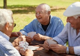Desarrollan un revolucionario colirio para tratar la ceguera en ancianos