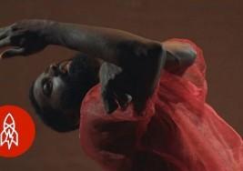 El hombre que con parálisis cerebral baila profesionalmente