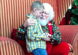 """Este niño con autismo de 6 años le confesó a Santa un """"terrible"""" secreto…"""