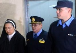 Detenida una monja por entregar niños con sordera a curas pederastas