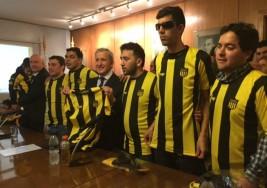 El Peñarol presenta un equipo de fútbol para ciegos e impulsará liga local
