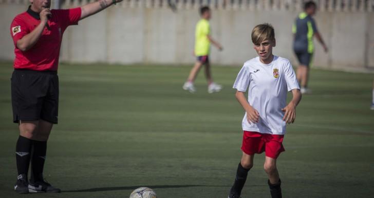 Fran, el niño con parálisis cerebral al que dijeron que no andaría, marca su primer gol