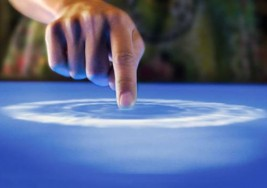 La Unión Europea presenta premio para crear una pantalla táctil para ciegos