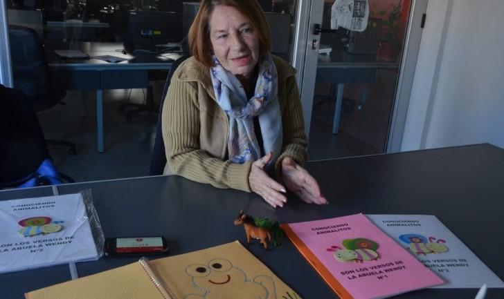 Una escritora que rompe las barreras de los ciegos