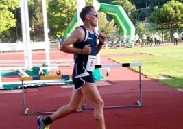 El atleta con esclerosis múltiple Juan José Amate participará este domingo en la XXII edición del Quixote Maratón