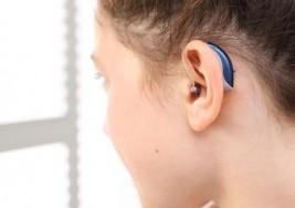 El sentimiento de una niña adolescente frente a la sordera