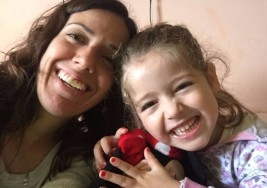La historia de Amaia, la nena con parálisis cerebral que lucha contra el seguro Accord Salud