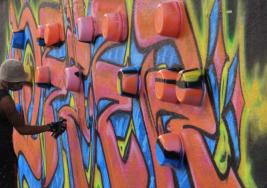 Grafitis para ciegos, el arte urbano traducido al braille en CDMX