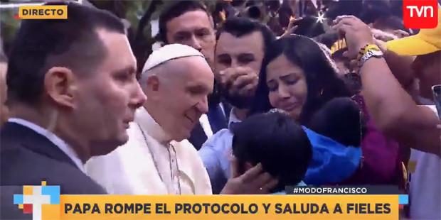 """FAMILIA DE NIÑO CON PARÁLISIS CEREBRAL CONCRETA ENCUENTRO CON EL PAPA: """"FUE IMPAGABLE, SIN PALABRAS"""""""