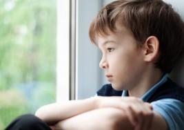 Rechazaban a su hijo en la escuela y la decisión que tomaron cambió la vida del chico
