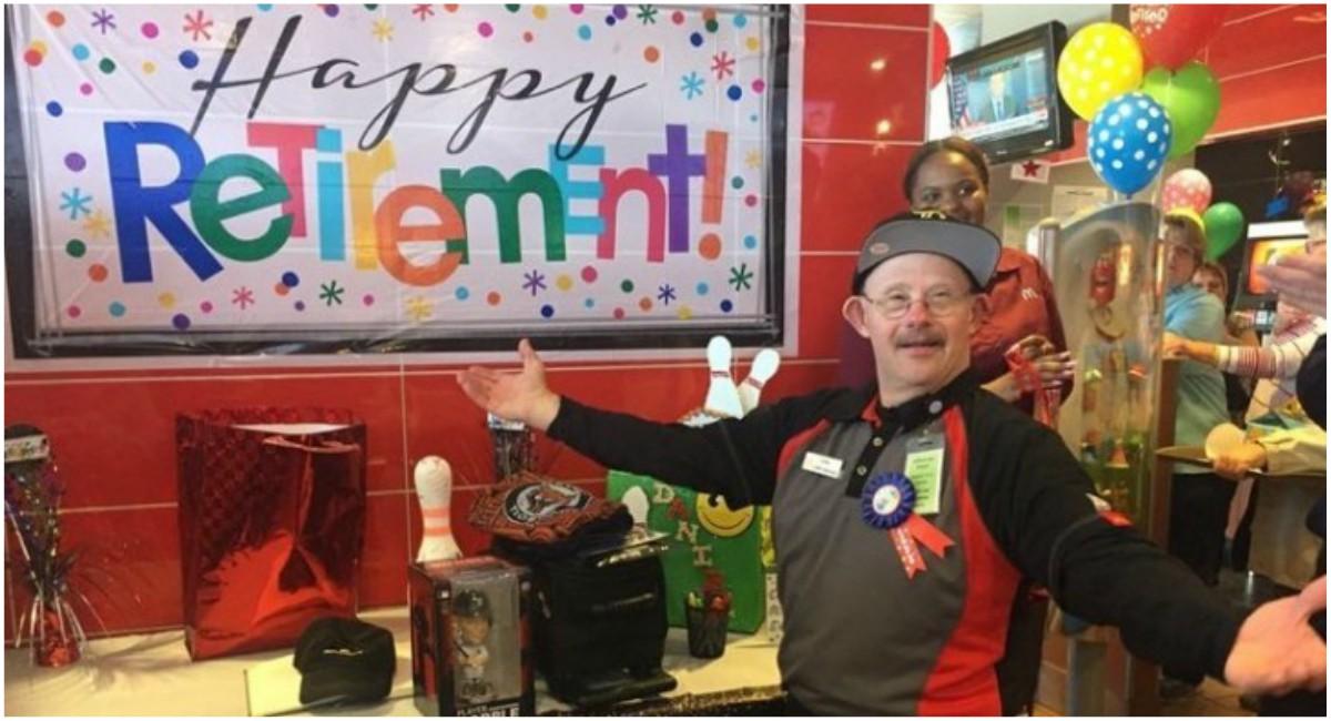 Este Trabajador Con Síndrome De Down Se Retira De McDonald