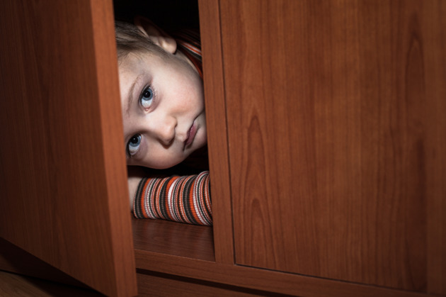 ¿Tu hijo es miedoso? Es natural, y la ciencia lo explica