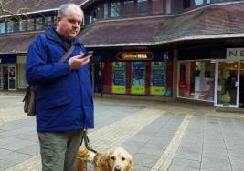 Microsoft lanza app que guía a personas ciegas