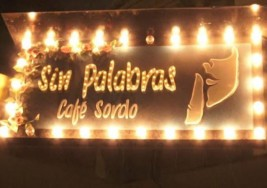 En Bogotá, primer café-bar para personas con discapacidad auditiva