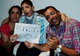 El emotivo saludo de Messi a un nene con parálisis cerebral